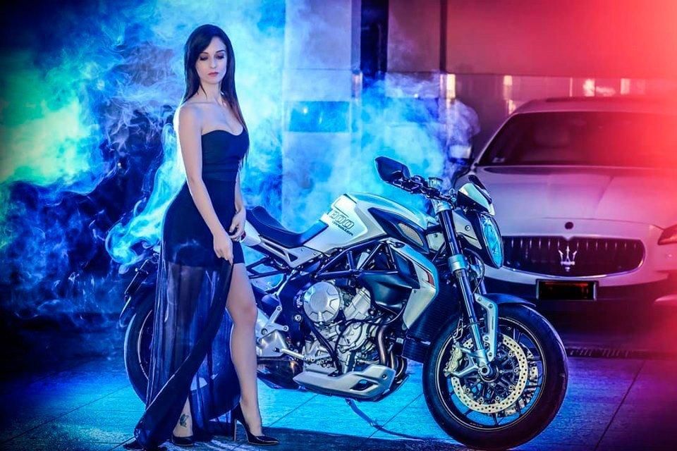 Mary-De-Simone-moto