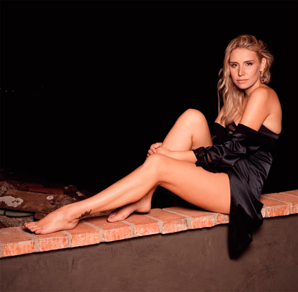 Alena-Mayuk-model