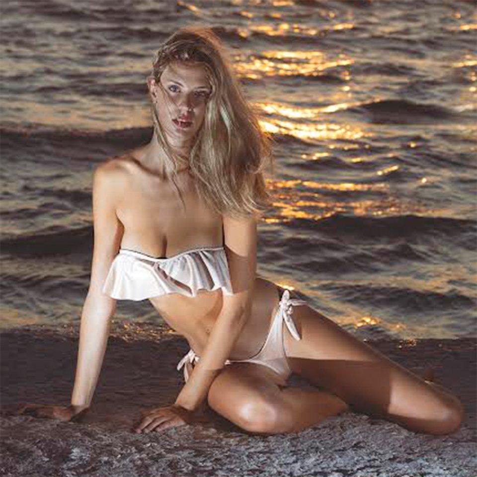 Nicole-Licini-bikini